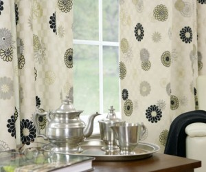 Beautiful-Kitchen-Curtains-300x250